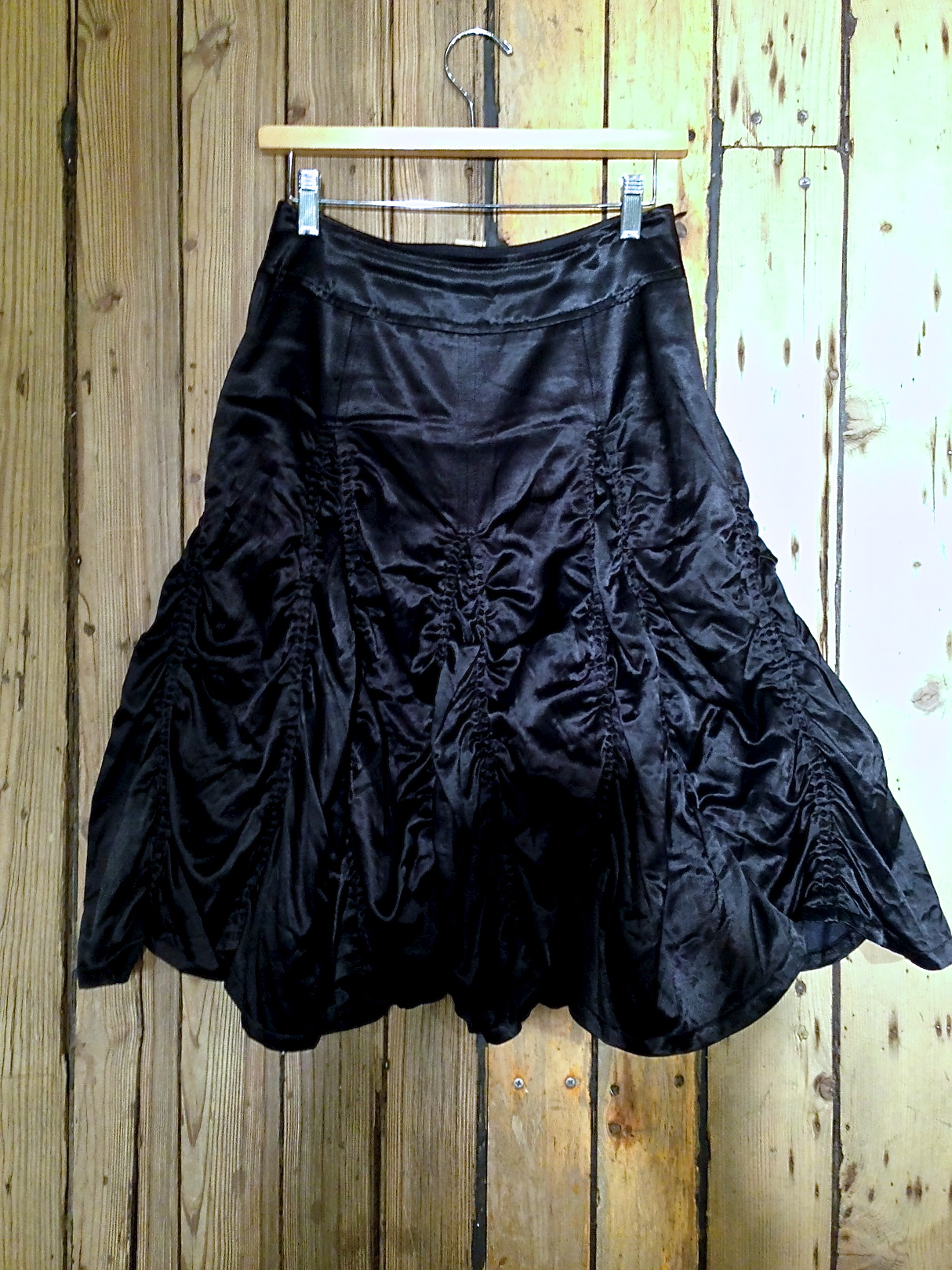 paraskirt_black_satin